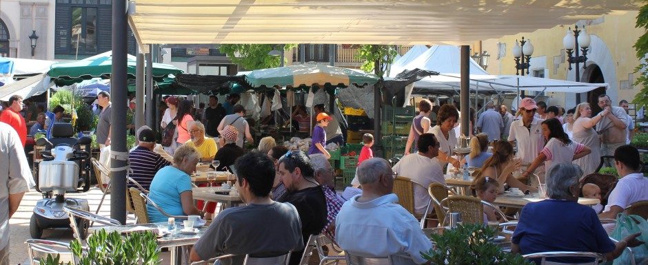 what's on in sant feliu de guixols -sunday market