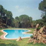 The pool and gardens at Maremar
