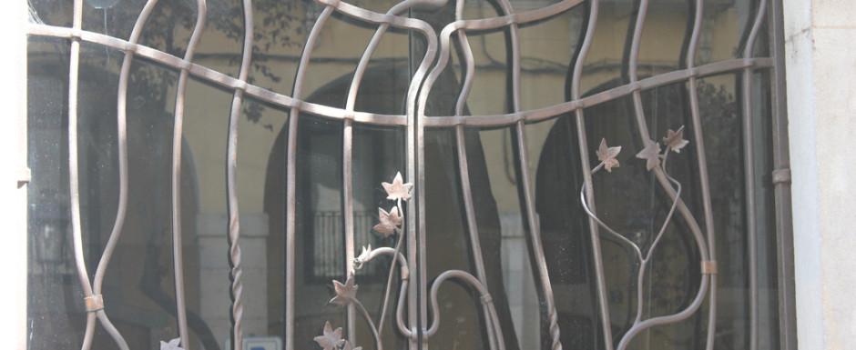 Girona doors