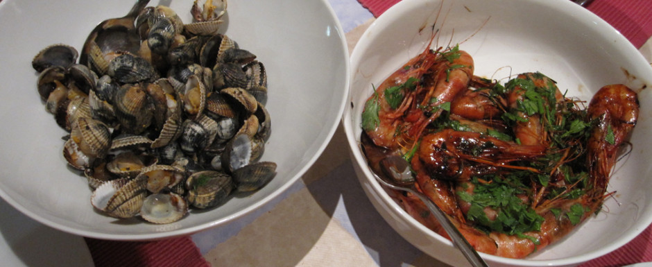 Gambas de palamos and local cockles are what to eat in Sant Feliu de Guixols